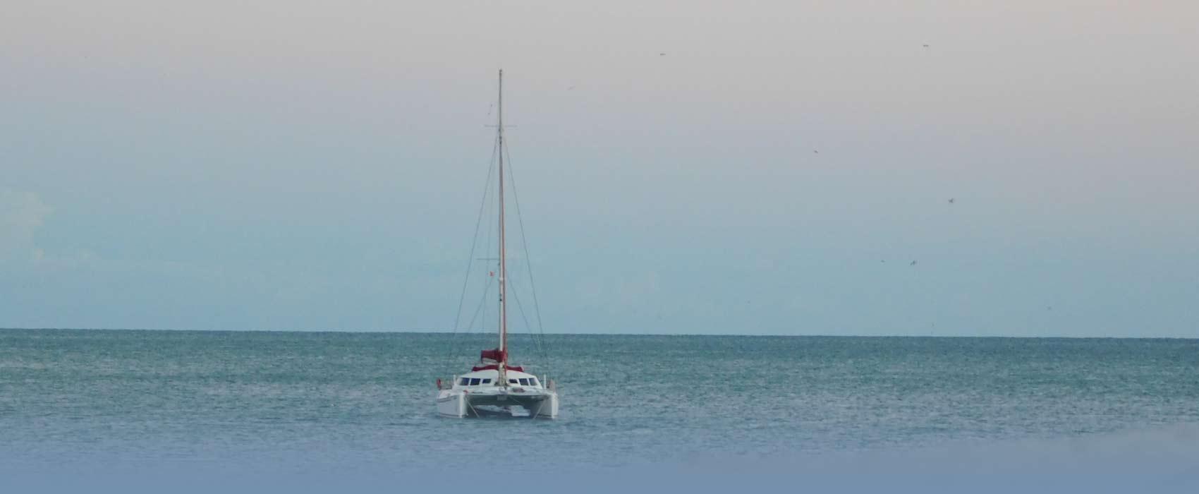 Mit einer Yacht auf dem Mittelmeer